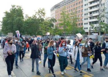 """Protestas en Chile contra Piñera tras el caso de los """"Papeles de Pandora"""""""