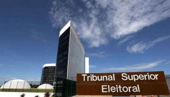 Inicia juicio que podría revocar boleta electoral de Bolsonaro