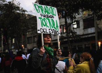 Corte colombiana debate para despenalizar totalmente el aborto