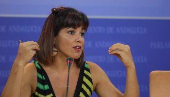 Teresa Rodríguez critica que el Gobierno andaluz sea cruel con los niños más vulnerables y amable solo con las familias con alto poder adquisitivo