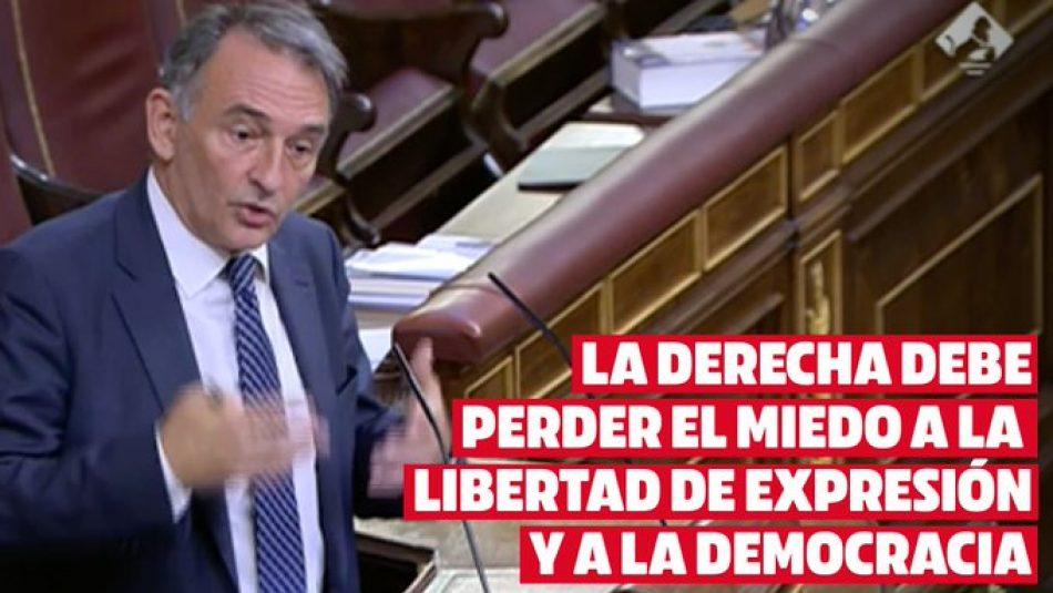 """Enrique Santiago exhorta al PP a """"perder el miedo a la democracia"""" y respetar derechos como el de libertad de expresión """"salvo que consideren que las libertades públicas amenazan sus privilegios"""""""