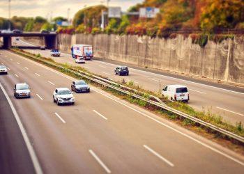 FACUA considera lamentable que el Gobierno siga adelante con la implantación de peajes en las autovías