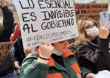 Manifestaciones para exigir presupuesto en viviendas en Uruguay