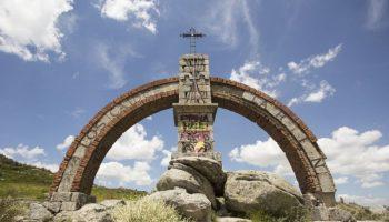 Un año más el monumento del Puerto el Pico se convierte en un lugar de peregrinación y culto del fascismo nacional