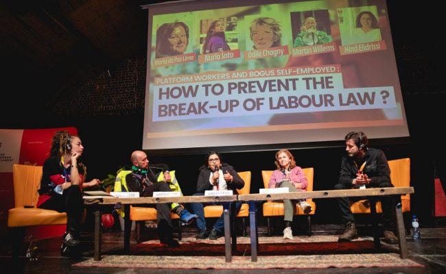 """Podemos denuncia en Bruselas que la 'uberización' de la economía es la esclavitud """"del siglo XXI"""""""
