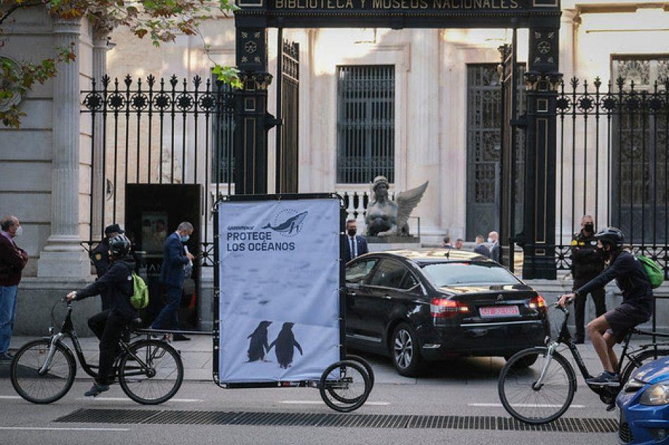 Greenpeace reclama a los líderes mundiales reunidos en Madrid acciones valientes para la protección de los océanos